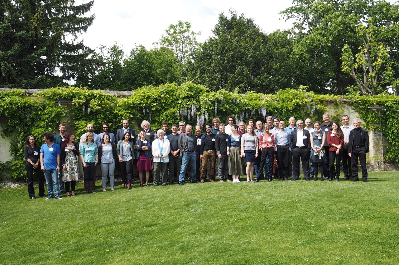 Participants at the 2017 KLI meeting on Cause and Process in Evolution